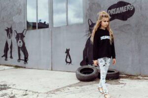 Hebe hoodie zwart - dreamers - Eileen4Kids